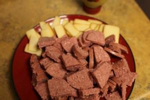 Kobasice i sir - savršeni sastojci za savršenu užinu